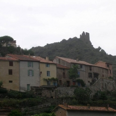 The house with castle